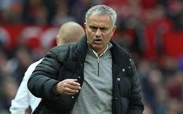 """Mourinho bị đuổi, lủi thủi bước lên khán đài vì dám """"bật"""" trọng tài"""