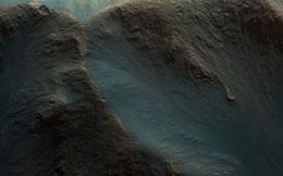 NASA vừa công bố hơn 100 bức ảnh bề mặt Sao Hỏa, hãy xem ngay