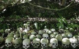 Ngôi làng kỳ lạ mai táng người chết bằng cách để mục ruỗng dưới tán cây