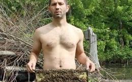 Người đàn ông gây sốc vì khỏa thân đứng giữa bầy ong