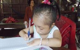 Cuộc sống kỳ lạ của thiếu nữ tí hon lúc đẻ bằng gang tay, 14 tuổi chỉ nặng 9kg ở Vĩnh Long