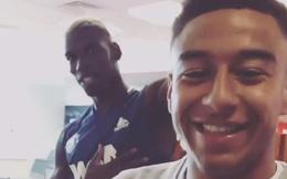 Vừa đến Man United, Pogba đã dạy đồng đội làm trò
