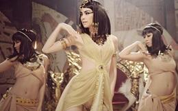 """Sức hút kỳ lạ của bức tượng nữ hoàng Ai Cập đẹp """"khuynh quốc khuynh thành"""""""