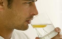 Bác sĩ khuyên uống 8 cốc nước/ngày nhưng quên nói một điều quan trọng