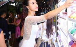Bạn gái hot boy Huỳnh Anh gợi cảm với đầm bó sát