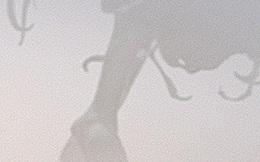 Bất ngờ trước sinh vật lạ khổng lồ xuất hiện trong sương mù tại Trung Quốc