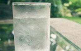 Uống nước không theo nguyên tắc này thì uống cũng bằng thừa