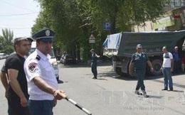 [VIDEO] Bạo loạn tại Armenia: Tướng cảnh sát bị bắt làm con tin