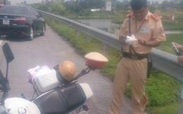 Kẻ trộm lao thẳng xe tải vào cảnh sát, một người bị thương
