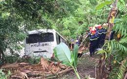 Bắc Kạn: Xe khách lao xuống vực khiến 9 người bị thương nặng