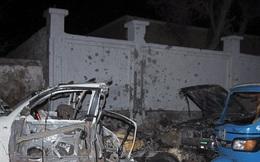 Bị cảnh sát bắt dừng, tài xế điên cuồng nổ tung xe giữa đường