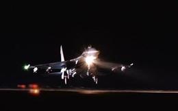 [VIDEO] Tiêm kích Su-27 xuất kích, đánh chặn mục tiêu gần Crimea