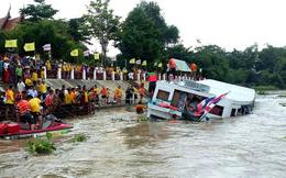 Hình ảnh hiện trường vụ lật tàu làm 13 người chết ở Thái Lan
