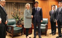 Gặp Shinzo Abe, bà Clinton khẳng định ủng hộ TPP, cam kết thúc đẩy liên minh