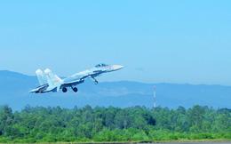 Su-22, Su-27, Su-30MK2 của Không quân Việt Nam đồng loạt xuất kích