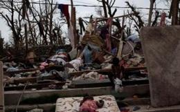 Haiti phải chôn người chết vì bão trong mộ tập thể