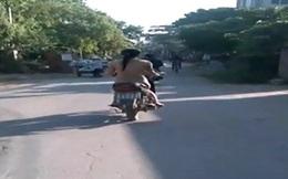 Cô gái khỏa thân đi xe máy giữa ban ngày: Câu chuyện buồn nhiều người thương cảm
