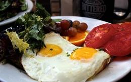 Khiến người Mỹ tin rằng có thể ăn 2 quả trứng mỗi ngày, ai sẽ được lợi?