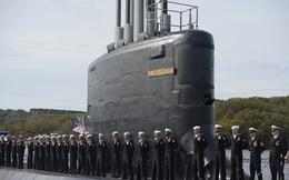 ẢNH: Biên chế tàu ngầm 2,7 tỷ USD do Đệ nhất phu nhân Mỹ bảo trợ