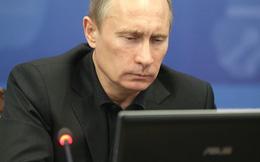 """CIA từng dùng xe tăng để thực hiện các cuộc đảo chính, Putin chỉ cần 1 cú """"click chuột"""""""