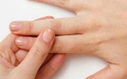 Không có thời gian tập thể thao, cứ ngồi nhà nắm ngón tay thế này cũng cải thiện sức khỏe đáng kể rồi