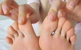 """Bí quyết loại bỏ mùi hôi chân, bạn không còn lo """"mùa đông không dám tháo giày"""""""