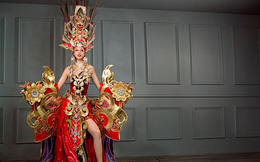 Bị chê thậm tệ nhưng bộ váy 45kg lại giúp Việt Nam thắng giải  ở HH Siêu quốc gia