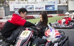 Hot girl đua xe Trung Quốc kiếm 2 triệu USD mỗi năm