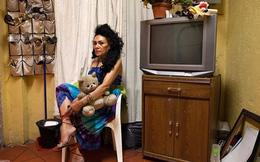 """Cuộc sống neo đơn chỉ có búp bê làm bạn của những """"công nhân tình dục"""" hết thời ở Mexico"""