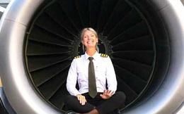 Nữ phi công của hãng hàng không giá rẻ bỗng nổi tiếng nhờ bộ ảnh hấp dẫn