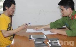 Đột nhập cửa hàng điện thoại 'cuỗm' 10 chiếc smartphone