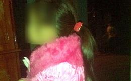 """Nỗi đau chưa nguôi của cha mẹ có con 3 tuổi bị """"yêu râu xanh"""" nhí hãm hại"""