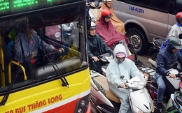 Xe buýt không còn 'nhanh hơn xe đạp, rẻ hơn xe máy'