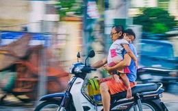 """Bức ảnh """"vòng tay yêu thương của cha"""" khiến các bậc cha mẹ phải giật mình suy ngẫm"""