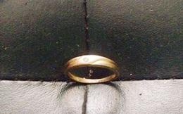 Chiếc nhẫn cưới vàng trên xe khách và lời kêu gọi
