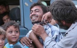 Dân Syria đốt mạng che mặt, cắt râu sau khi IS tháo chạy