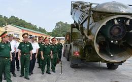 Đại tướng Ngô Xuân Lịch kiểm tra công tác huấn luyện, sẵn sàng chiến đấu tại Lữ đoàn tên lửa bờ 679