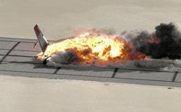 Clip máy bay Boeing bốc cháy ngùn ngụt khi rơi