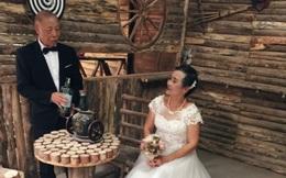 Bộ ảnh cưới xúc động của hai cụ 80 tuổi ở Lào Cai
