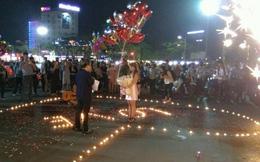 Màn cầu hôn lãng mạn 'náo loạn' Nhà hát lớn Hải Phòng