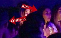 "Ronaldo vui vẻ, ""bay"" lắc bên tình cũ Kim Kardashian"