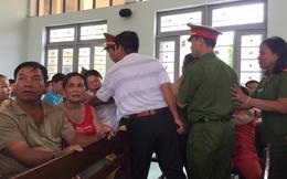Xử kẻ khiến ông Huỳnh Văn Nén ở tù oan: Con gái nạn nhân đòi đánh bị cáo