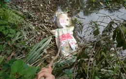 Huế: Người dân hoang mang vì nhiều bao tải lợn chết bất thường được ném xuống hồ