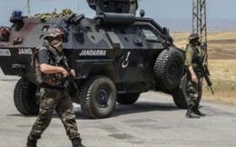 Hàng nghìn lính được Thổ Nhĩ Kỳ ủng hộ đang chờ tấn công vào Syria