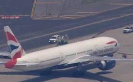 Hơn 200 hành khách hoảng loạn rời khỏi máy bay vì lời đe dọa đánh bom