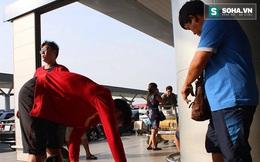 ĐT Việt Nam sang Indonesia: Quế Ngọc Hải phải thay quần ngay tại sân bay