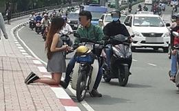 Chàng trai để bạn gái quỳ giữa đường không đáng mặt đàn ông