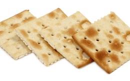 Có thể bạn chưa biết tại sao bánh quy bạn ăn vẫn thường có lỗ