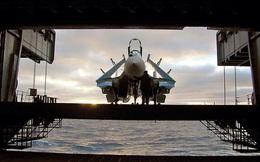 """Hai năm rõ mười: Quyết định ngớ ngẩn - 2 tiêm kích Su-33 và MiG-29KR """"lộn cổ"""" xuống biển!"""