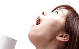 Bác sĩ cảnh báo tác hại khôn lường khi súc miệng nước muối không đúng cách